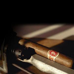 Cigar care picture 1